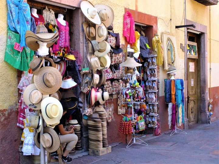 queretaro-mexico-travel-food-vegan-shops-tours